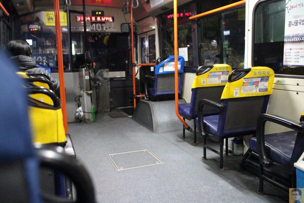 大邱路線バス車内
